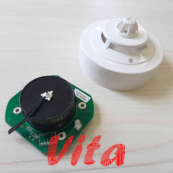 نمونه کار طراحی برد دتکتور ترکیبی دود و حرارتی در سیستم اعلام حریق که توسط گروه مهندسی ویتا طراحی شده است.